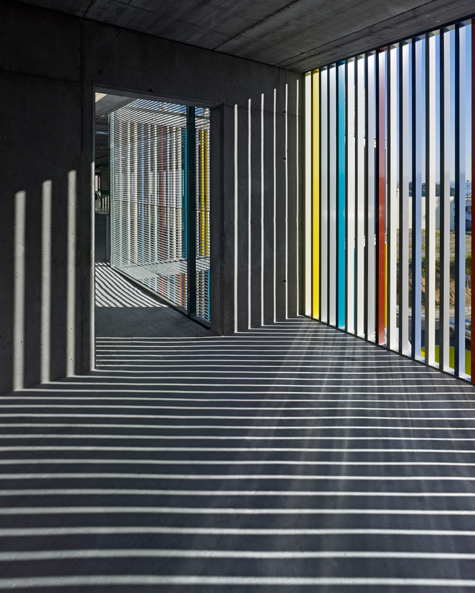 Parking_Maternity-Hospital-and-the-Oncologic-Center-of-Galicia_Diaz-y-Diaz-Arquitectos_dezeen_936_2